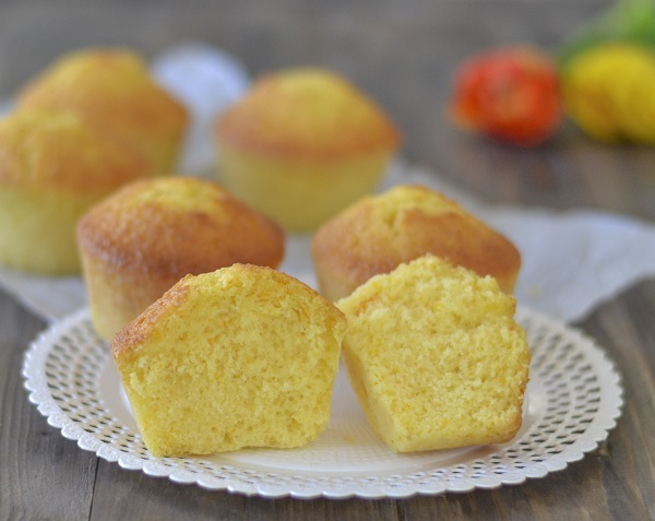Ricetta Muffin Semplice.Muffin All Arancia Sofficissimi Senza Burro Ricetta Facile