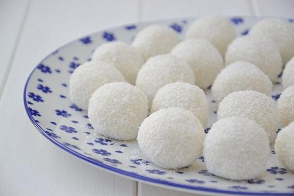Palline al Cocco: dolcetti estivi Buonissimi e Veloci