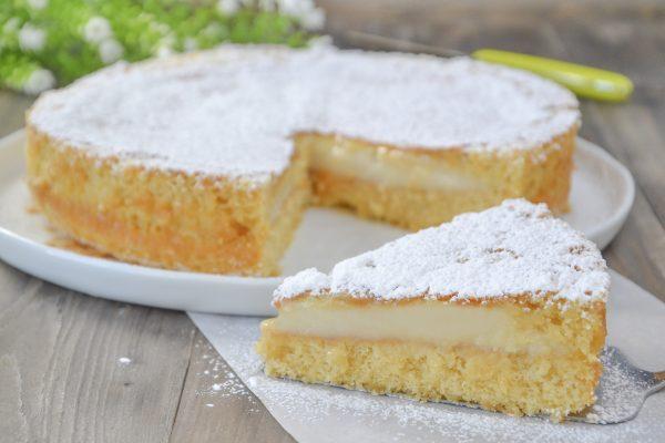 torta versata con crema al latte