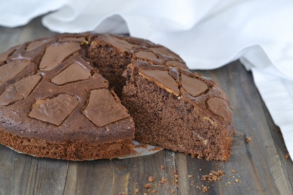 torta con uova di pasqua al cioccolato