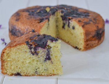 fetta di torta ai mirtilli