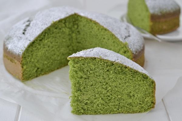 torta dolce di spinaci con zucchero a velo
