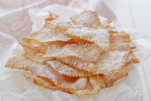 sfrappole bolognesi con zucchero