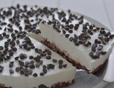 torta fredda allo yogurt greco e cioccolato