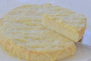 torta di riso al cocco con cioccolato bianco