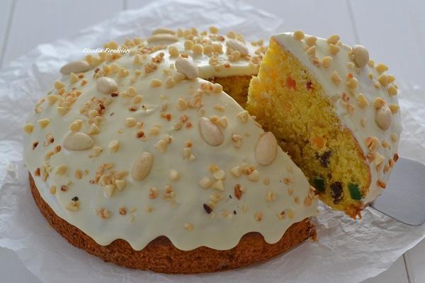 fetta di torta panettone