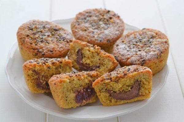 tortine al pistacchio con crema di nocciole e confettura ai lamponi