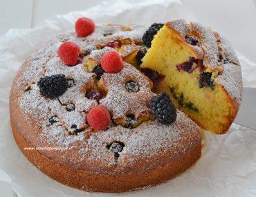 torta ai frutti di bosco soffice